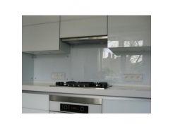 Кухонный фартук из стекла прозрачный с вырезом