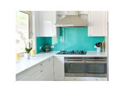 Кухонный фартук из стекла с вырезом,покраска в 1 цвет