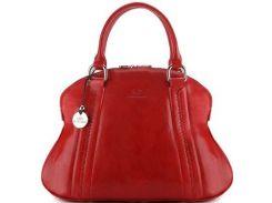 Элегантная и утонченная красная кожаная сумка