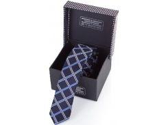 Привлекательный синий галстук в красивую клетку