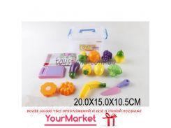Овощи и фрукты B0963 (1525253) (96шт/2) дел. пополам, с досточкой, ножом, в контейнере 20*15*10,5 см