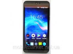 Смартфон HTC x826  2 сим,5,5 дюйма,2 ядра,8 Гб,5 Мп, 3G.