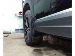 Брызговики передние для Volkswagen Tiguan '07-16 (Lada Locker)