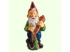 Садовая фигура фигурка для сада Гном с морковкой (М)