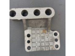 Кронштейн рулевой МТЗ (тонкий) Ф80-300-1011