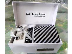 Пестрый галстук в черно-белую полоску в подарочном наборе