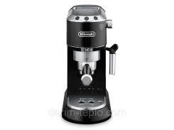 Рожковая кофеварка DeLonghi EC 680.BK