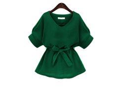 Зелёная модная блуза с поясом и V-образным вырезом