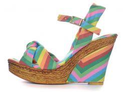 Босоножки женские на танкетке Valentino разноцветные