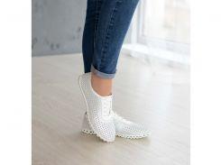 Белые перфорированные кожаные мокасины на шнурке 34 бел перф