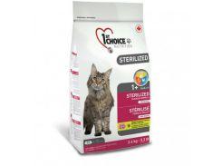 Сухой корм для кастрированных котов и стерилизованных кошек 1st Choice Sterilized 2.4 кг