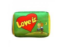Подушка love is зеленая